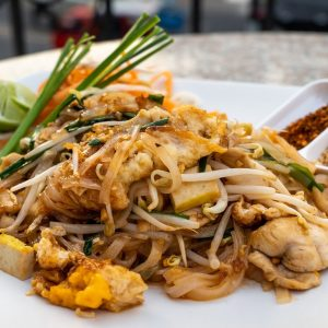 pad thai, thai food, thailand